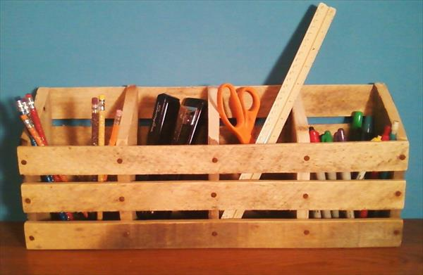 desk organizer pallet project