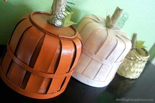 Cheap DIY Fall Decorating Ideas - Basket Pumpkins