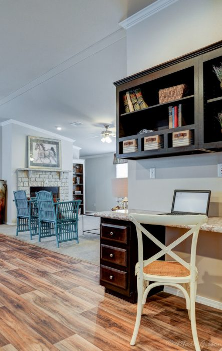 Double wide manufactured home design-desk space