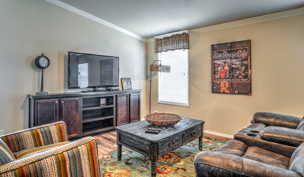 Double wide manufactured home design-family room