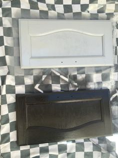 Gloria's 1987 motorhome RV makeover - cabinets getting painted
