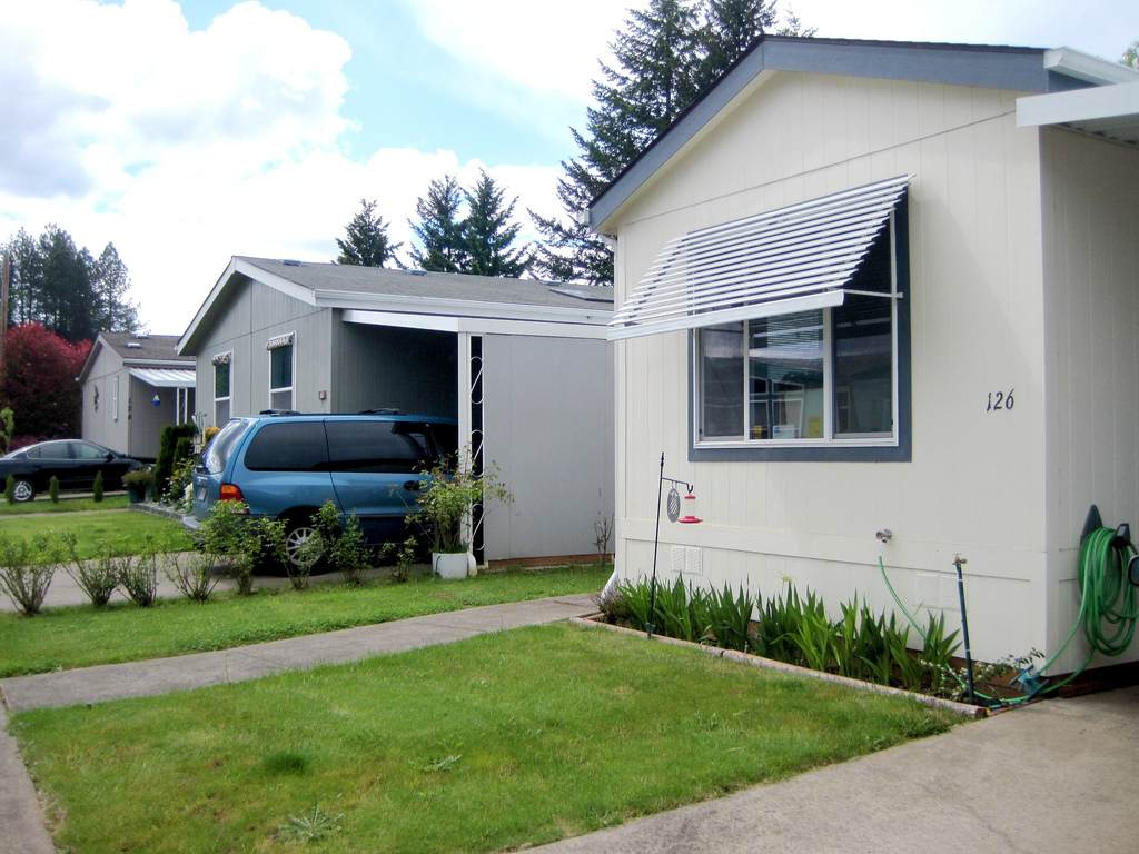 How to file an insurance claim for your manufactured home for Modular home insurance