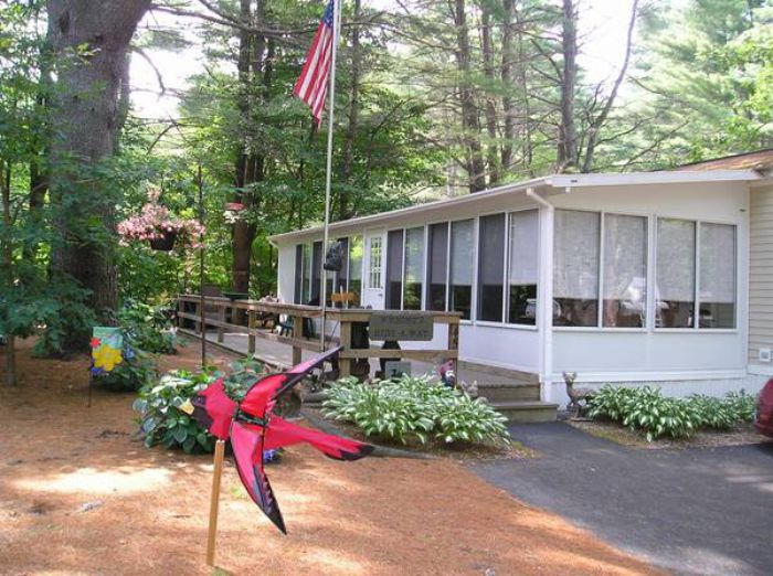 Our 10 Favorite Craigslist Manufactured Home Listings in July 2017 - NY park model home