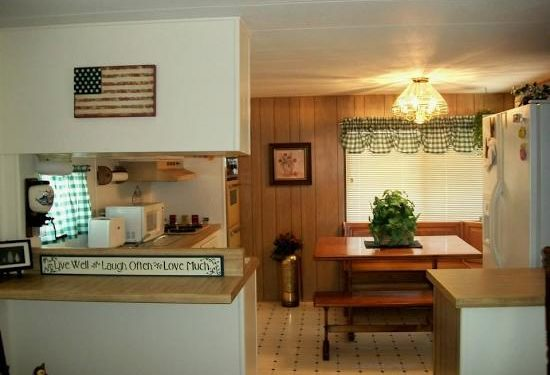 free mobile home-farm house country kitchen