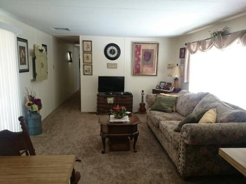 free mobile home-french country living room