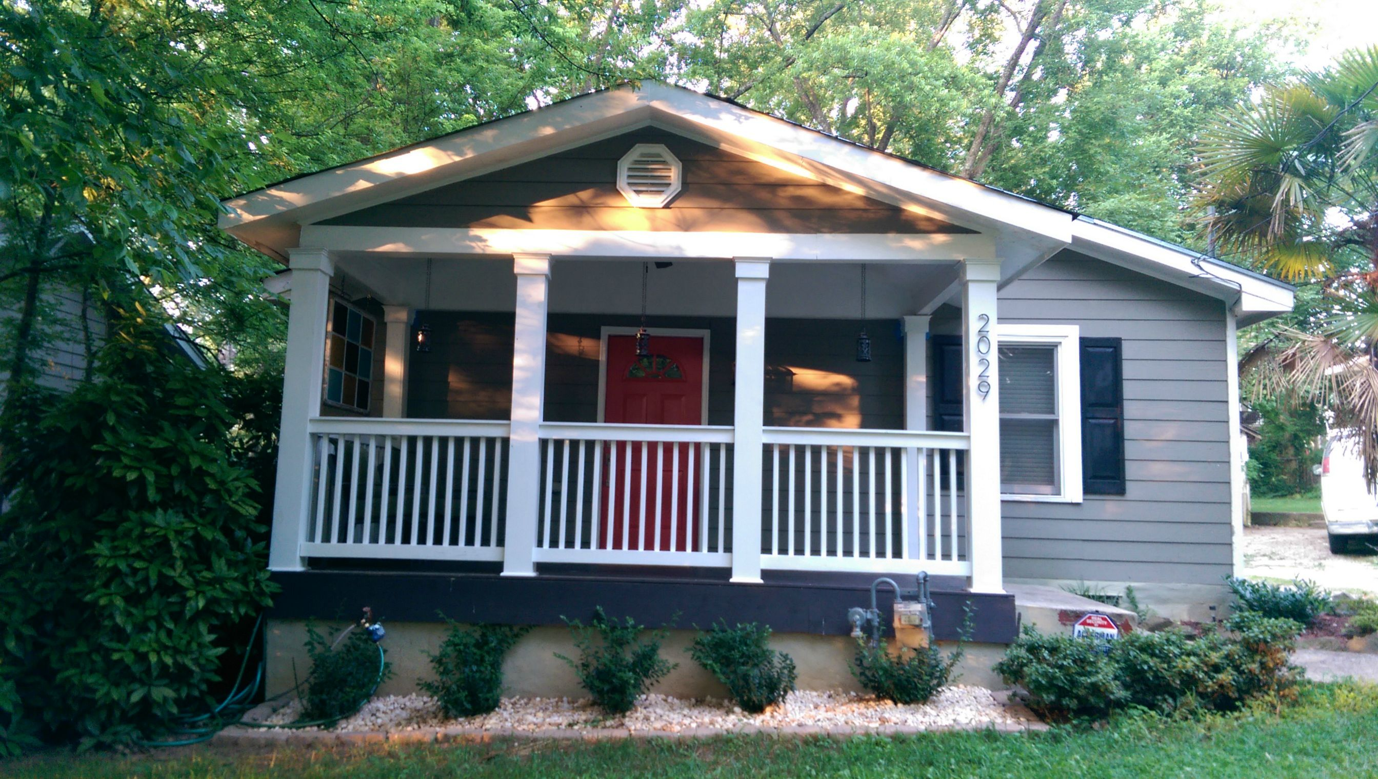 Affordable front porch makeover mobile home living for Single wide mobile homes with front porches