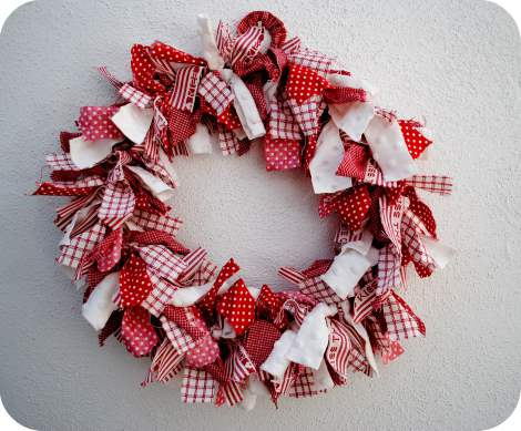 gingham rag wreath tutorial - primitive country decor guide
