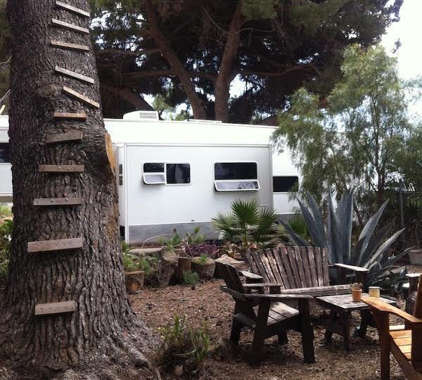 gypsy caravan-exterior 2