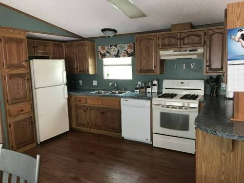 favorite mobile homes-hidden gem-kitchen