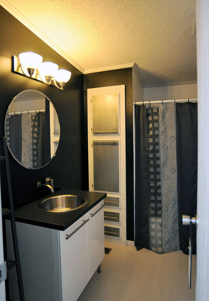 popular paint colors for your manufactured home -black is back2