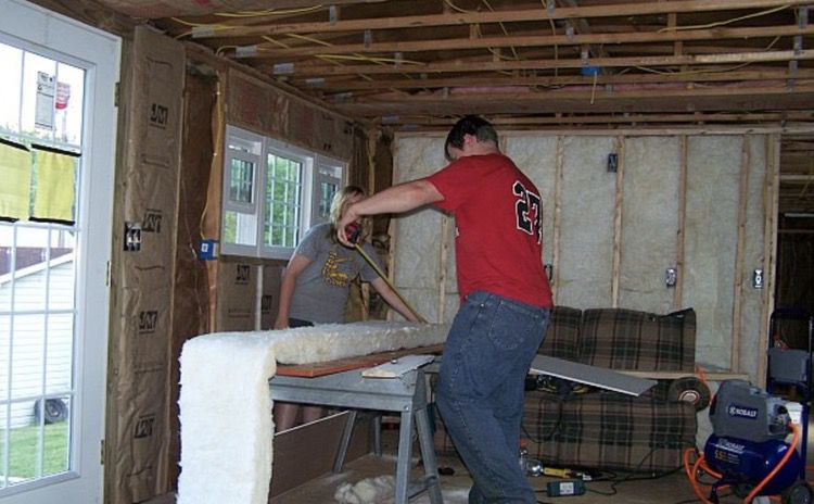 installing insulation into a mobile home during remodel - dcdiva blogspot