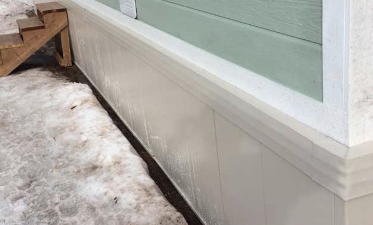 insulated skirting on a mobile home