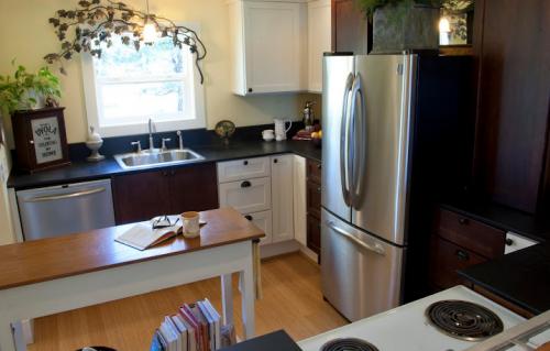 interior designer's manufactured home remodel - before and after photos of manufactured home remodel - kitchen after