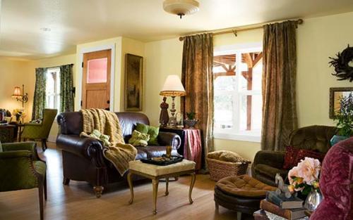 interior designer's manufactured home remodel- living room after