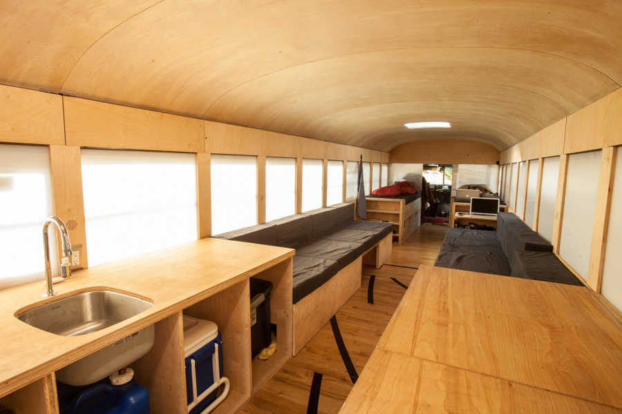 9 awesome vintage buses converted into beautiful mobile homes for Redesign home interior