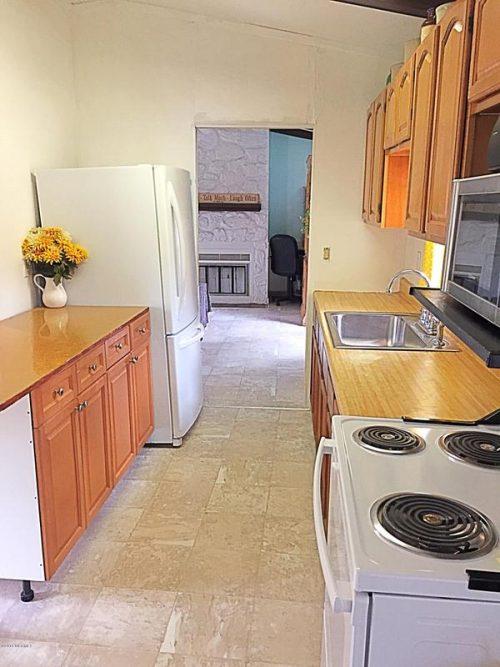 1986 single wide-kitchen