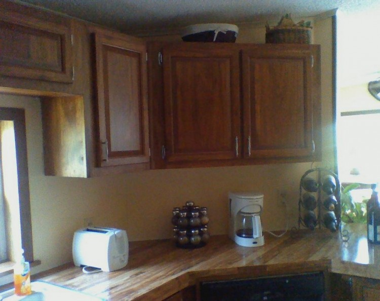 kitchen counters before manufactured home remodel