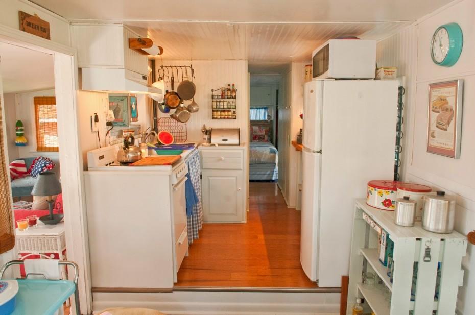 vintage mobile home remodel - kitchen after