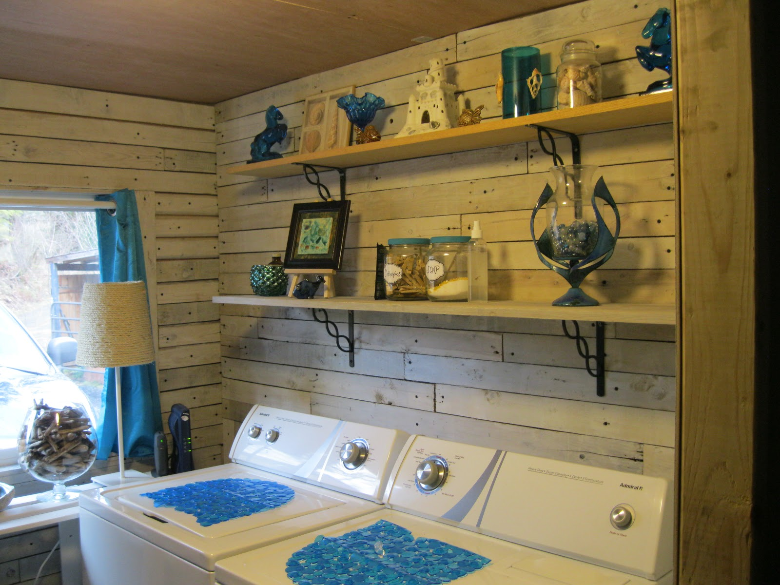 Laundry room makeover ideas for your mobile home - Small space makeovers ideas ...
