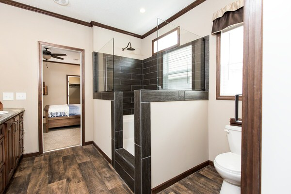 Manufactured home design series-master bath 1