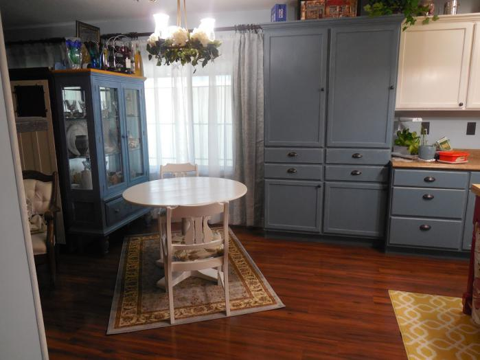 manufactured home kitchen makeover - breakfast nook after