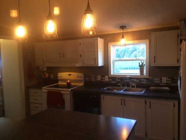 after manufactured home kitchen update on 600 budget - laminate