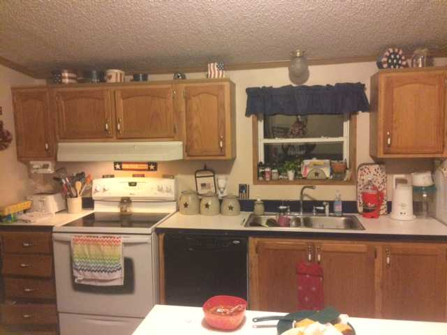 Charissa 39 s 600 manufactured home kitchen update for Update my kitchen on a budget
