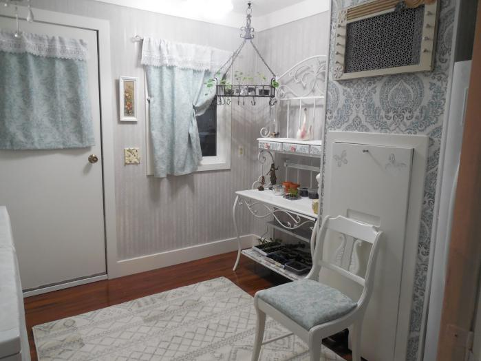 Manufactured home laundry room makeover - after