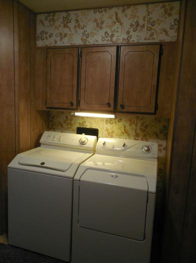 manufactured home laundry room makeover - before washer and dryer