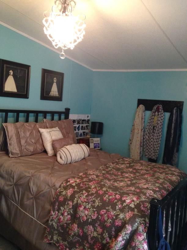 manufactured home makeover (bedroom 2 after)