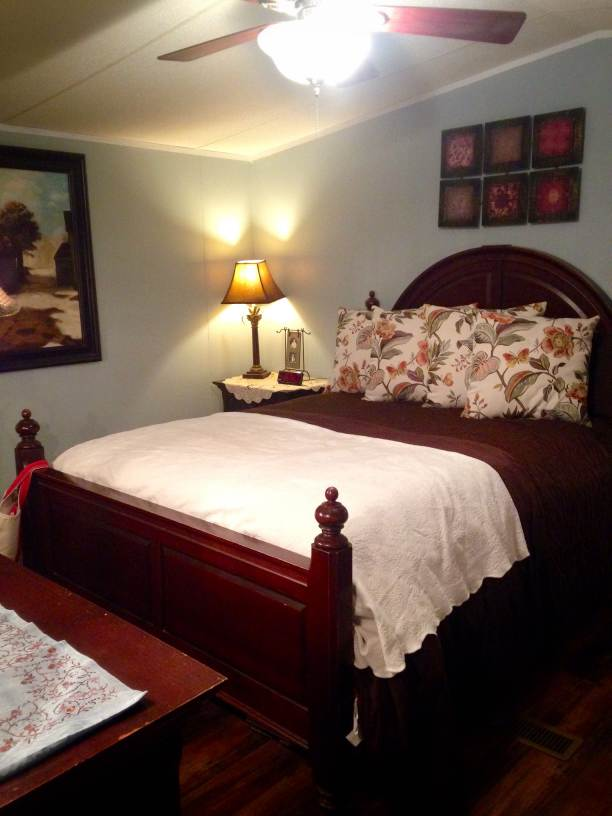 Farmhouse Inspired Manufactured Home Makeover  (master bedroom after)