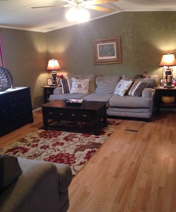manufactured home makeover  (living room after)
