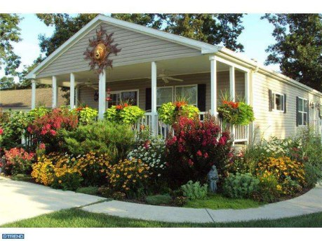 9 beautiful manufactured home porch ideas Landscape design ideas mobile home