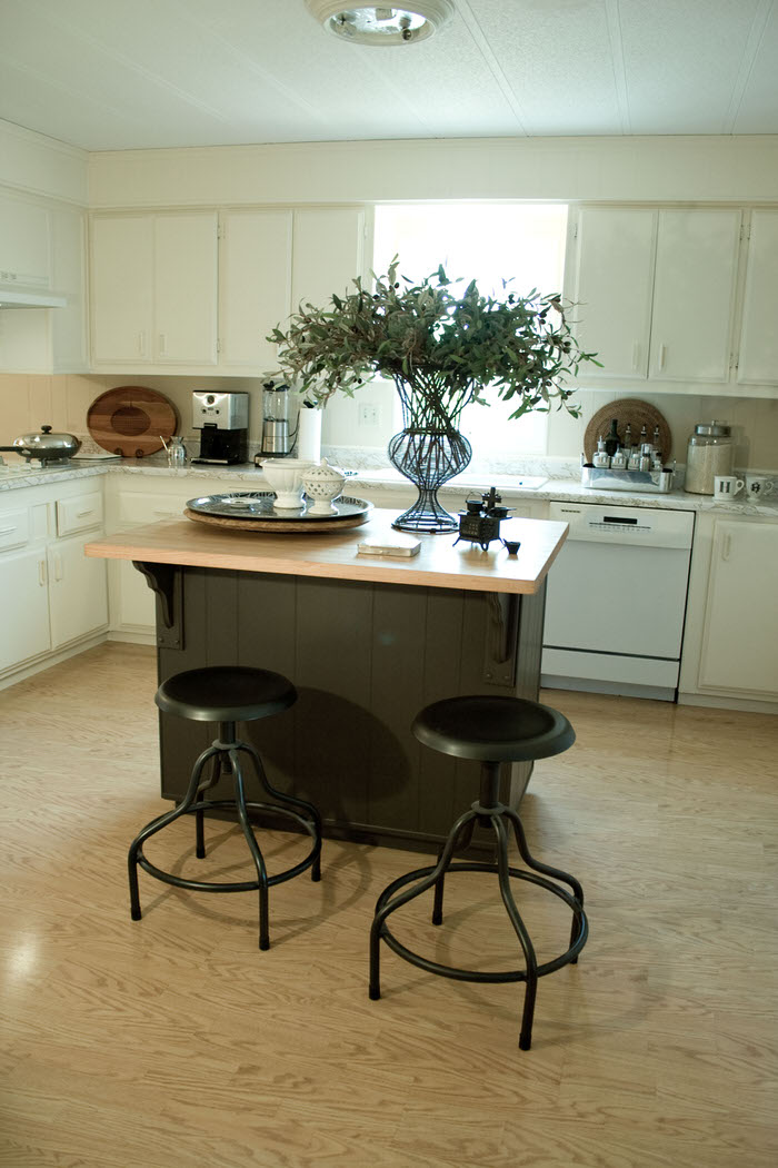 Top 3 mobile home makeover ideas to give an old mobile home new life - new flooring