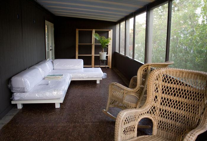 Top 3 mobile home makeover ideas to give an old mobile home new life - million dollar double wide-porch