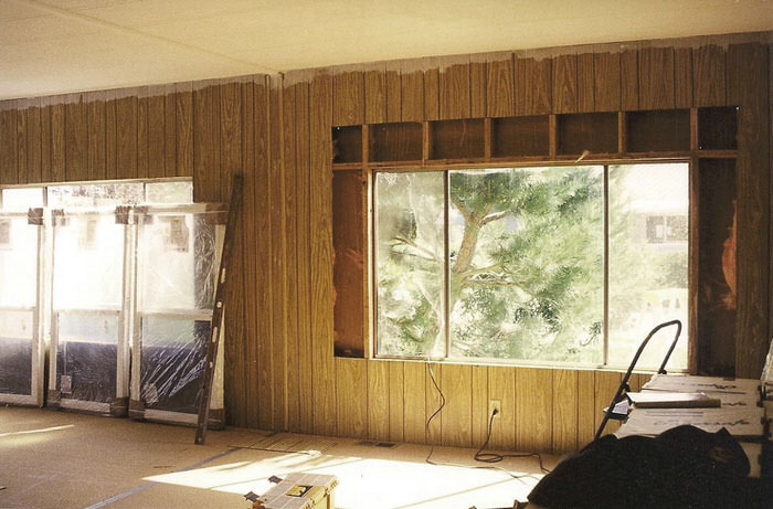 Top 3 Mobile Home Makeover Ideas to Give an Old Mobile Home New Life -replacing windows