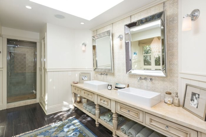 beautiful mobile home bathroom