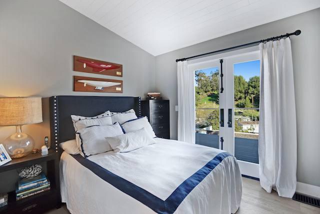 million dollar mobile home bedroom
