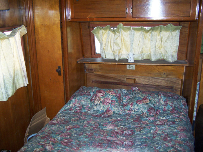 mobile home bedroom before remodel