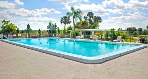 buying a mobile home in florida-island vista estates pool