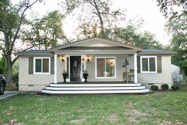 buying a mobile home in Georgia-front porch