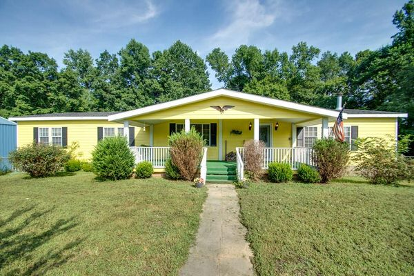 Buying a Mobile Home in Tennessee- double wide with porch