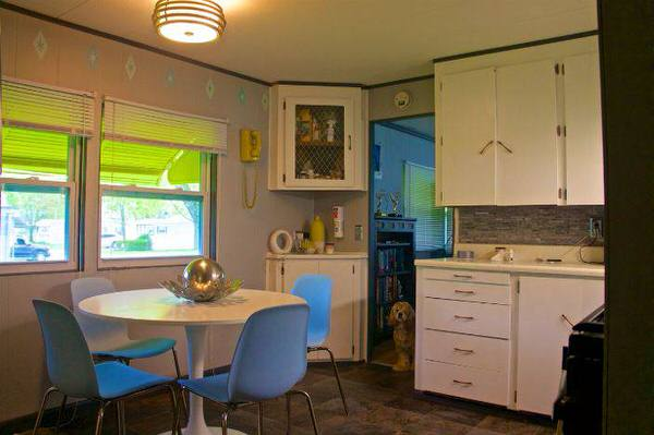 mobile home remodels-retro kitchen after