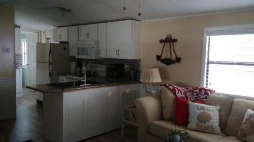 mobile homes for sale this Spring-florida park living room