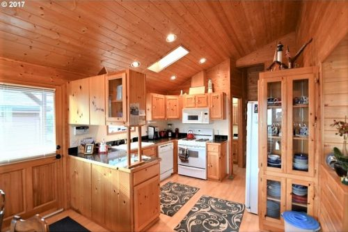 mobile homes with amazing views- kitchen Fully Furnished Beauty