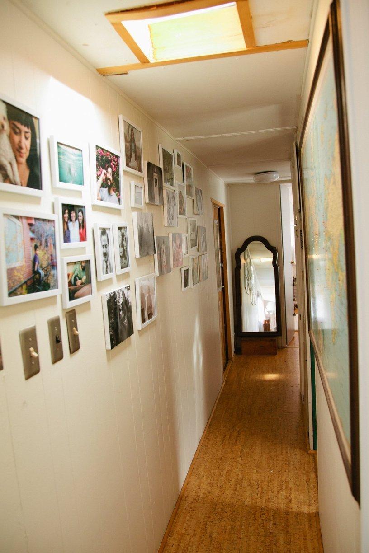 mobile home decor-modern decor in mobile home hallway
