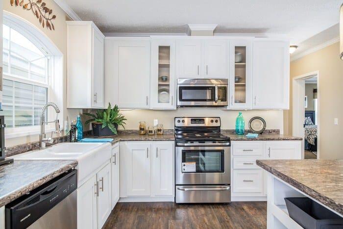 modern manufactured home models-the lloyd kitchen (2)