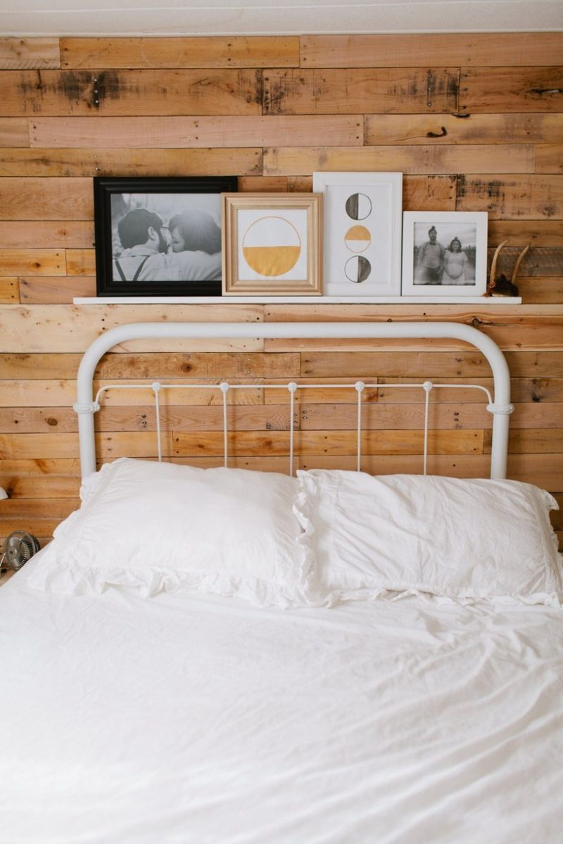 Modern-mobile-home-bedroom - accent wall in mobile home bedroom