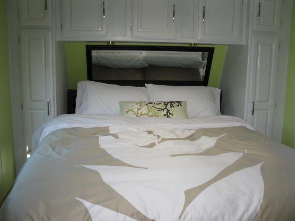 modern rv bedrooom decor ideas