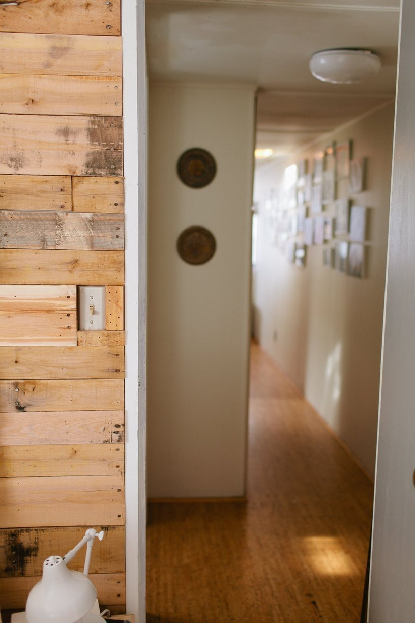 mobile home decor-modern wood wall in mobile home
